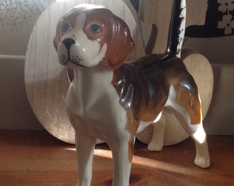 Vintage Beagle Dog Figurine , Beagle Dog Figure , Hunting or Gun Dog Ornament