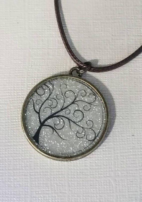 Twisty Tree - glow in the dark necklace