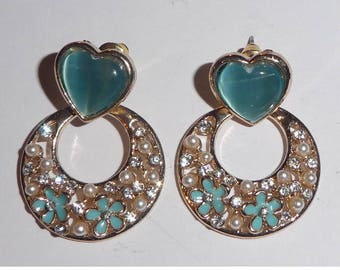 Earrings. Stud Type. Turquoise heart with Droppers