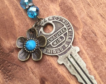 Vintage Key Necklace, Turquoise Stone Necklace, Steampunk Pendant, One-of-a-Kind Jewelry, Antique Jewelry, Perfect Gift, Bridesmaid Gift