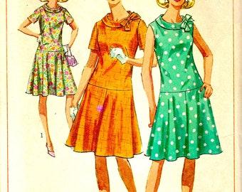 Simplicity Schnittmuster 6985 niedrige Taille Kleid mit halbrunden Rock und Kragen, Ärmel oder kurze Ärmel Kleid - Büste 37