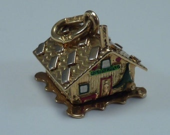 18K Yellow Gold and Enamel Mountain Cabin Charm/Pendant Articulated, 5.5 grams