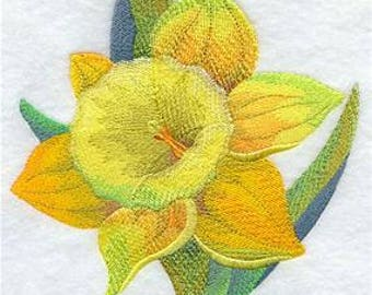 Embroidered Daffodil Fingertip Towel