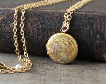 Vintage Gold Locket, Round Locket Necklace, Small Locket Pendant,  Gold Photo Locket, Gold Picture Locket, Push Present Jewelry Gift for Mom