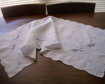 Vintage Embroidered and Cut Work White Linen Runner, Cut Work Runner,  Embroidered Runner, Blue Cut Work and Embroidery,