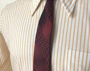 Vintage MENS black & red diagonal striped silk skinny tie, circa 50-60s