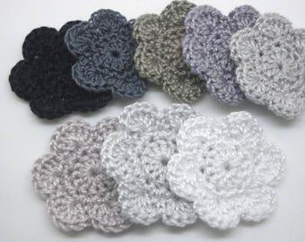 8 flowers crocheted 3.5 cm