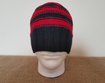 Black & red beanie hat, Size large