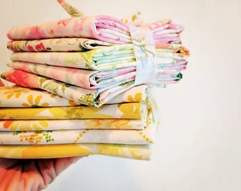Custom Vintage Sheet Bundles / Pinks / Yellows / Blues / Fat Quarters / Pack of 5 / Quilting Fabrics