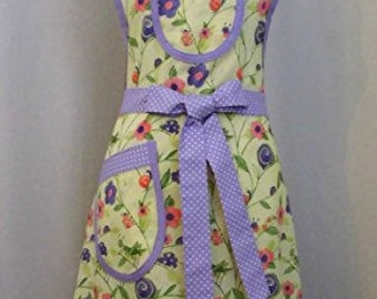 """Apron Handmade Ladies Misses Cooking Apron Size Med. Ready To ship """"Garden Party Apron"""" Floral"""