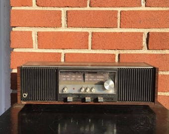 Working (AM only) Vintage Realistic Concertmate AM/FM Stereo Mantelpiece Radio