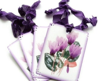 ON SALE 8 Gift Tags, Purple Cyclamen, Floral Botanical Party Favor Tags, Purple White Green Hang Tags, Takuniquedesigns