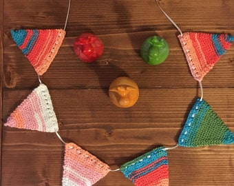 Mini Knitted Bunting (6 Pieces)
