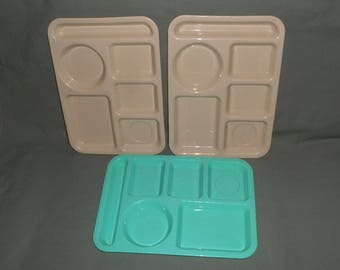 3 Vintage Lunchroom Trays | 2-SiLite Beige 1-Tucker Housewares Green | Plastic School Cafeteria Sectional Trays | Restaurant Divided Tray