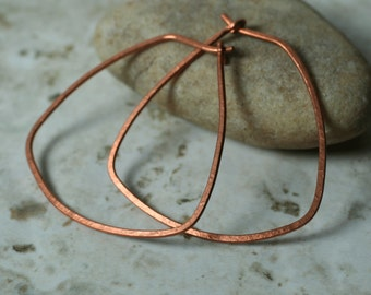 Handmade hammered large copper hoop 38x35mm, one pair (item ID LEC29G18)