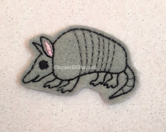 Armadillo 4 pc Feltie