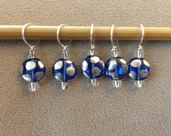 Tardis Blue and Silver circular glass beads -  Set of 5 dice stitch markers