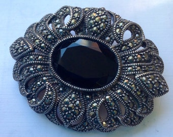 Victorian sterling silver large brooch with marcasites and onyx    vjse