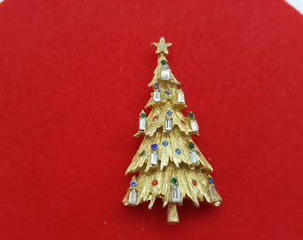 ART signed Candles Rhinestone Tree Brooch Seasonal Holiday Christmas Tree Gold tone Baguettes candles