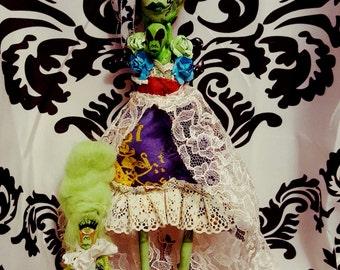 Ooak art doll Alienestein and her children
