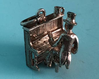 Man Playing Piano Charm, Moving - Silver Vintage Articulated Bracelet Charm or Pendant