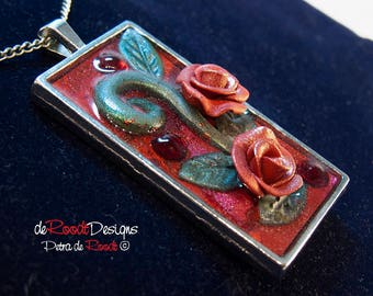 Red Roses Pendant