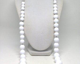 Monet Signed Monet White Lucite Beaded Silver Tone Vintage Estate Necklace