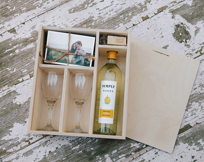 Wine and print box with enough space for 4x6 prints and usb drive (2 wine glasses included in the box)