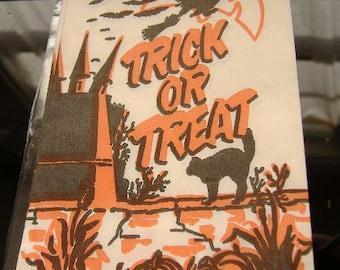 SALE. ONE Old Vintage Halloween Trick or Treat Goodie Bag. Paper Treat Sack. UNUSED.