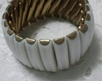 White and goldtone expansion style vintage bracelet