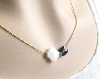 Discreet necklace with Crystal and Pearl gold necklace Swarovski Crystal chain gold plated shell Pearl 14 k unique gift
