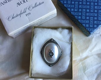 SALE! NIB Vintage Avon Chesterfield Collection Pin, 1980