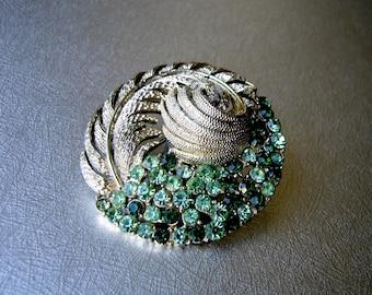 Large Vintage CORO Rhinestone Brooch Swirl Leaf Wreath Peridot Emerald Green Gold Tone Textured Setting Hat Coat Dress Pin Costume Jewelry