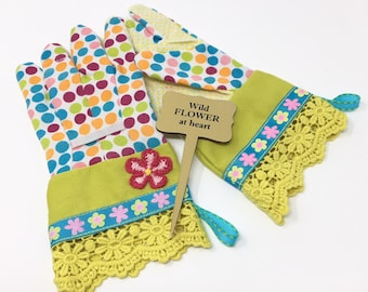 KIDS Spring Flower Garden Gloves. Colorful Polka Dots and Daisies. Children's Gardening Work Gloves. Birthday Gift for Kid Gardeners.