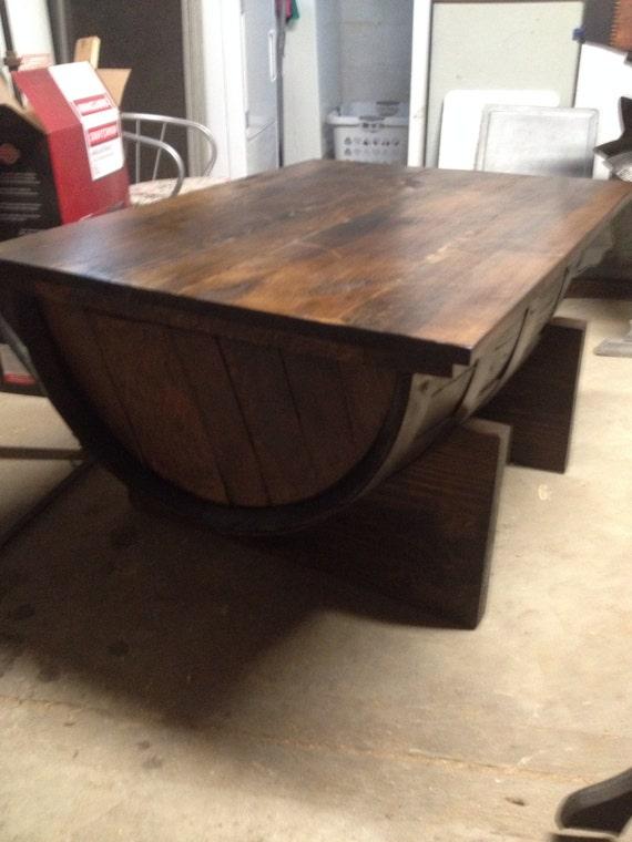 table basse tonneau de vin avec rangement. Black Bedroom Furniture Sets. Home Design Ideas
