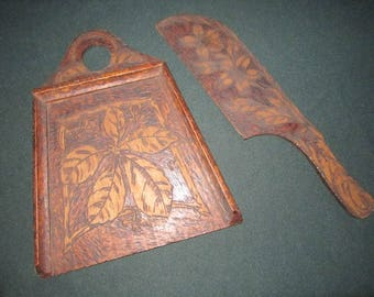 Antique Circa 1910 Pyrography Wood Crumber Set with Lovely Arts & Crafts Design