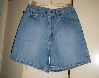 Vintage 80s CHIC Denim High Waist Shorts Size 8