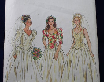 Sewing Pattern for a Wedding Dress in Size 8-14 - New Look 6209
