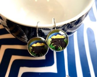 Pot of Gold glass cabochon earrings- 16mm