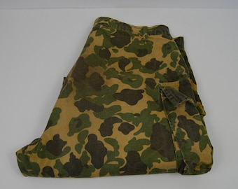 Vintage 1960s/1970s Camouflage Hunting Pants by Dewzee Size 34x28