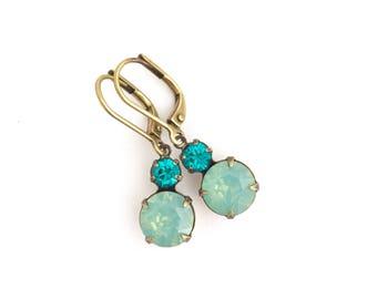 Wedding Earrings - Green Crystal Earrings - Rhinestone Earrings - Bridal jewelry - Bridesmaid Gift - Vintage Style - Drop Prom Earrings