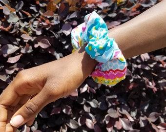 Summer Fun Scrunchie: Rainbow Floral
