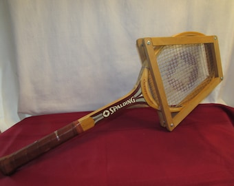 SPALDING CHAMPIONSHIP RACKET with Stretcher  Wooden Racquet
