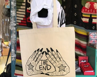 The End Tote : Hands in Black