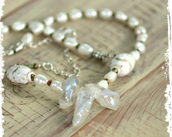 Crystal Quartz Point and Pearls White Short Necklace for Her Elegant Bohemian Wedding Jewelry