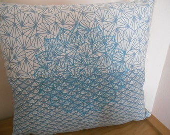 Pillow embroidered Mandala