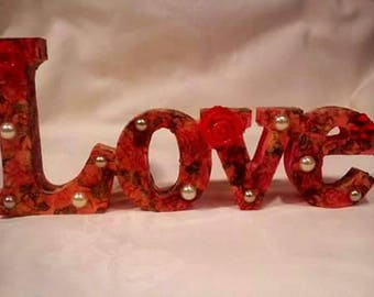 Love Plaque, Red, Plaque,wooden, free standing, romantic gift, anniversary, wedding, engagement, valentine's, ornament, friendship, Mum gift