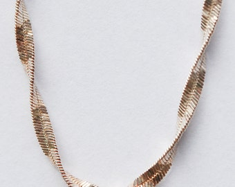 Lovely Thick Silver Chain. Twisted design. Hallmarked. 92.5