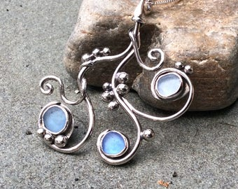 """Sea glass jewelry,  Shades of blue bezel set sea glass """"seaweed"""" sterling silver necklace"""