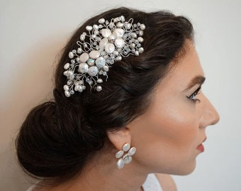 Bridal freshwater pearl and crystal flower hair comb , Wedding floral freshwater pearl and crystal hair comb, Bridal hair comb, Wedding comb
